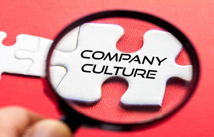How Small Businesses Can Build a Strong Company Culture
